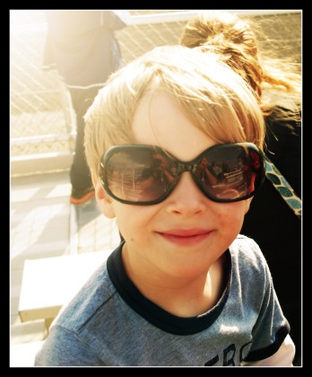 sunglass kid with border