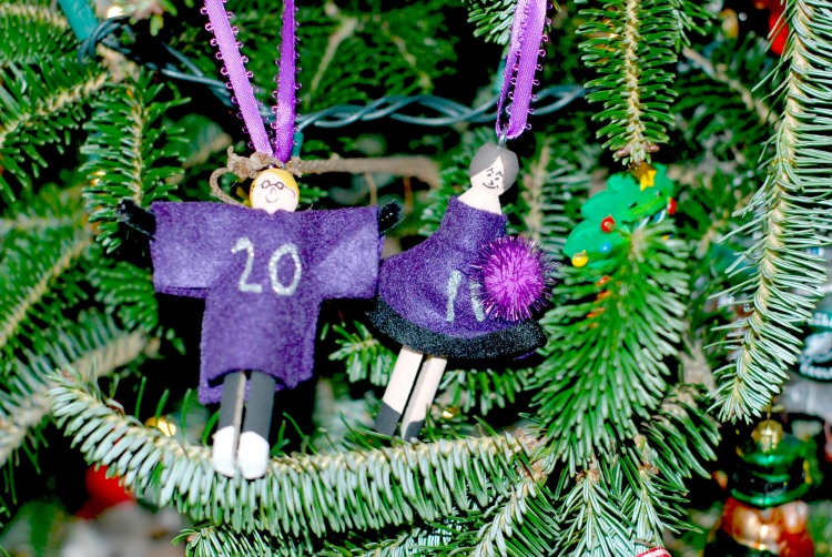 10 Christmas Ornaments We Love---Sisterhood of the Sensible Moms