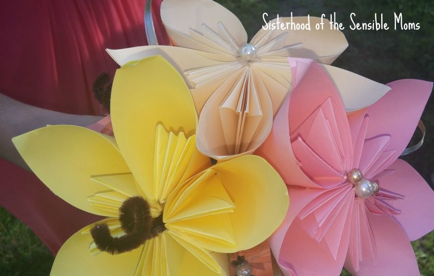 Paper Flower Bouquets | I Attended a Pinterest Wedding! They're real! | Look no further for wedding day inspiration! | Sisterhood of the Sensible Moms