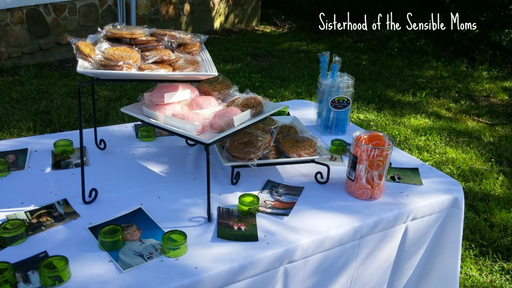 Wedding Candy Table | I Attended a Pinterest Wedding! They're real! | Look no further for wedding day inspiration! | Sisterhood of the Sensible Moms