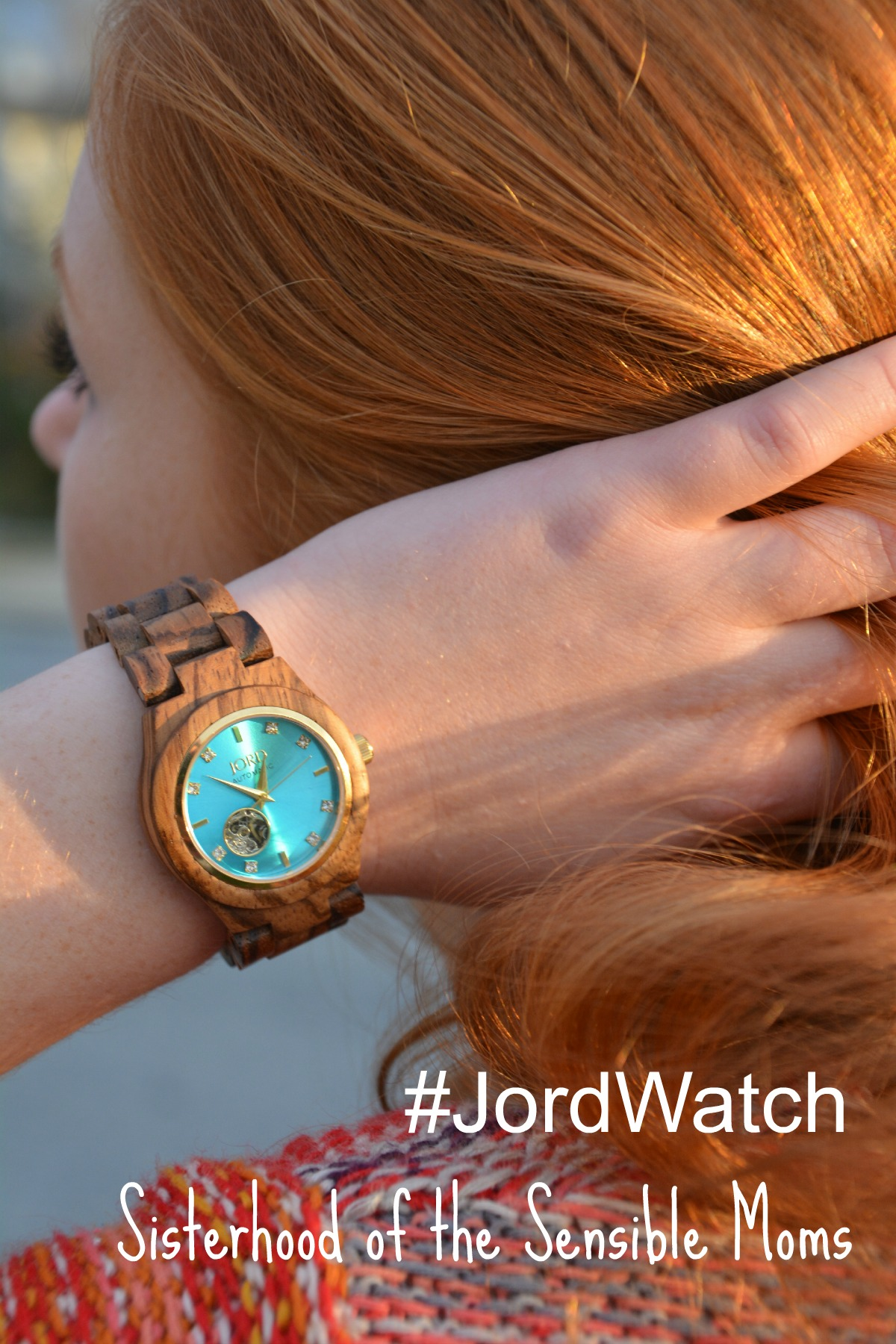 The best gift for those hardest to shop for on your list, man or woman. | Jord Watch | Gift Guide | Sisterhood of the Sensible Moms