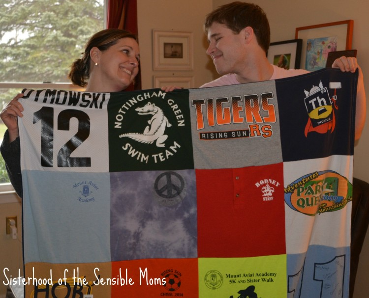 Looking for great Graduation and Father's Day Gifts? How about your memories wrapped up with a side of memorable and cuddly?  Project Repat T-Shirt Quilts for Grads and Dads   Sisterhood of the Sensible Moms